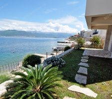 """Villa """"Gala"""" with its own access to the beach in the village. Krasici"""