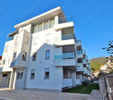 New one-bedroom apartment a stone's throw from the beach in Tivat