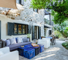 Renovated stone house in the center of Tivat