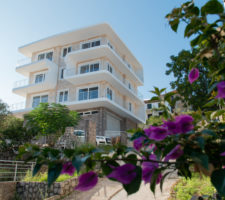 New two-bedroom apartment 50 meters from the sea in Krasici