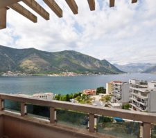 Apartment with 2 bedrooms and panoramic views in a complex with a swimming pool